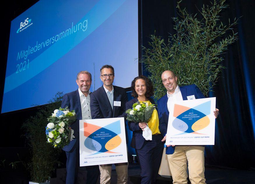 """Die Preisträger des Preises der Deutschen Systemgastronomie 2021: Das Projekt """"Coffee Cup Paper"""""""