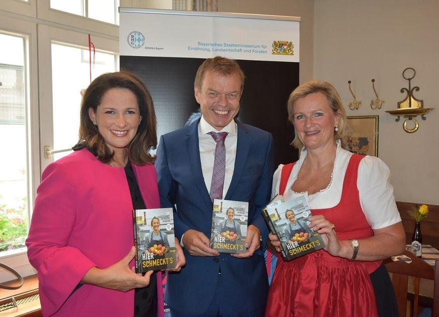 Michaela Kaniber Verleger Michael Volk DEHOGA Bayern-Präsidentin Angela Inselkammer