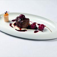 Ristorante Caramelo Greco Rezept Chateaubriand Neuseelandhirsch Süßkirschen Selleriemousse Cervena Herbst