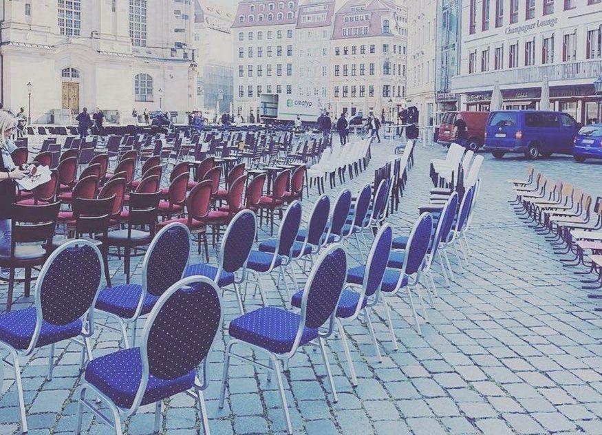 Leere Stühle Dresden