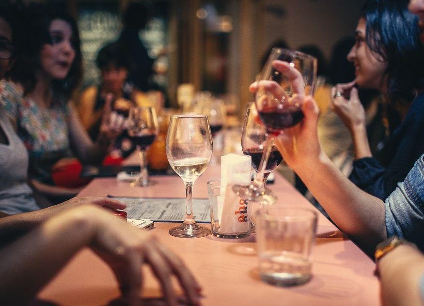 Gläser Wein Tisch Gastro Bar Restaurant
