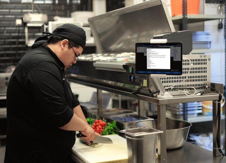 Gastrofix Küchenmonitor interaktiv flexibel arbeiten reagieren papierlos effizient geräuscharm
