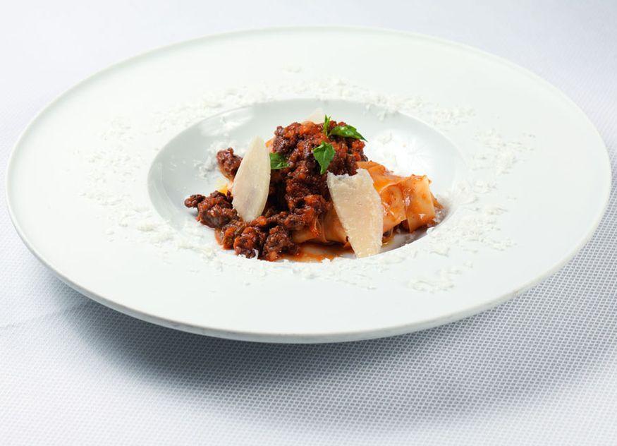 Ristorante Caramelo Greco Rezept Tajarin Neuseelandhirsch-Bolognese Neuseelandhirsch Cervena