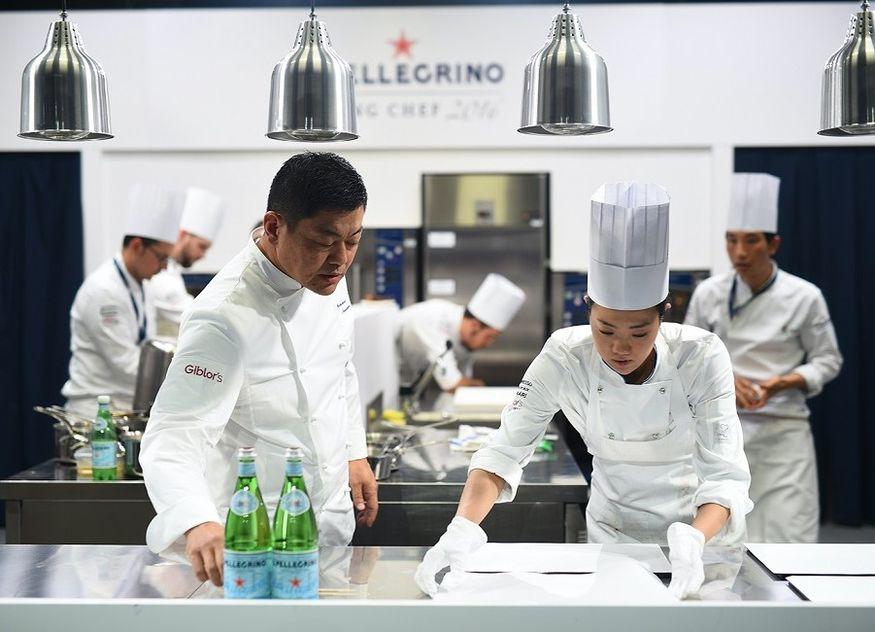 S.Pellegrino Köche kochen anrichten