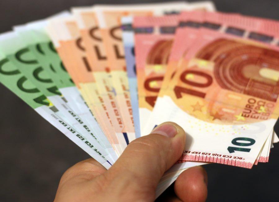 Geld Scheine Hand Lohn Gehalt