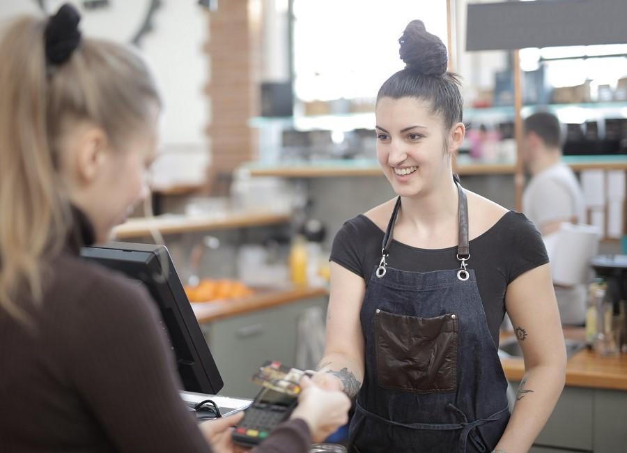 Karte bezahlen Cafe Gastro
