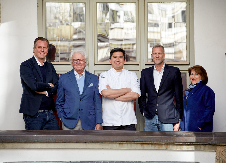 Die Schreiberei soll Gourmetrestaurant und Brasserie werden. Dafür zusammengetan haben sich (von links nach rechts) Marc Uebelherr, Thomas Radmer, Tohru Nakamura, Felix Radmer und Ute Vogt