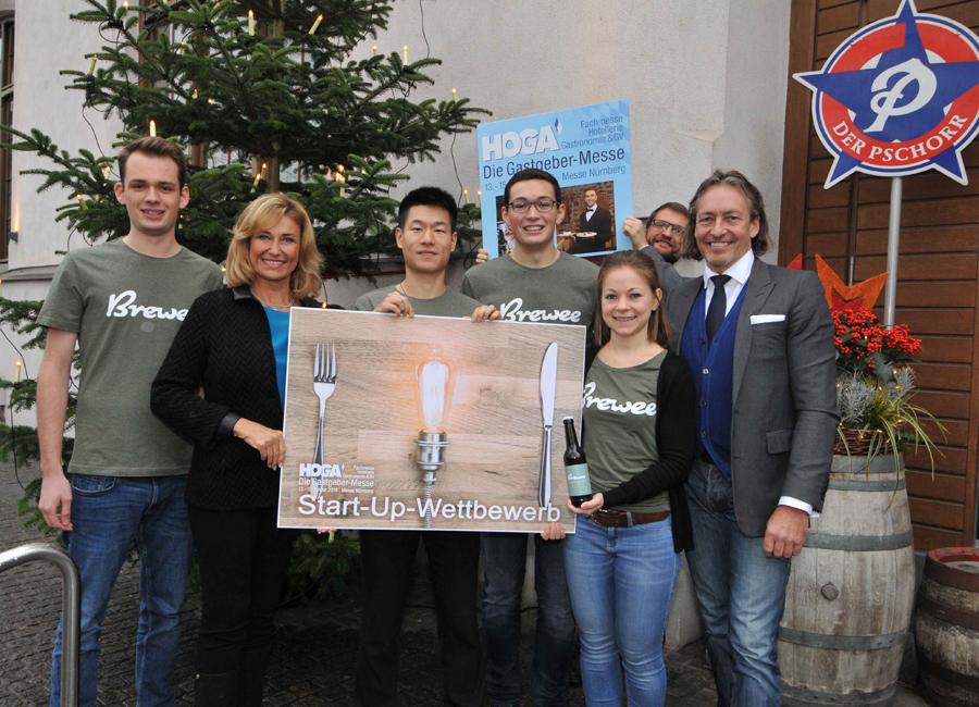 """Das Münchner Start-up Unternehmen """"Brewee"""" hat den Wettbewerb zur HOGA 2019 gewonnen und wurde von den Jury-Mitgliedern Dagmar Wöhrl, Stephan Dovern und Thomas Förster ausgezeichnet"""