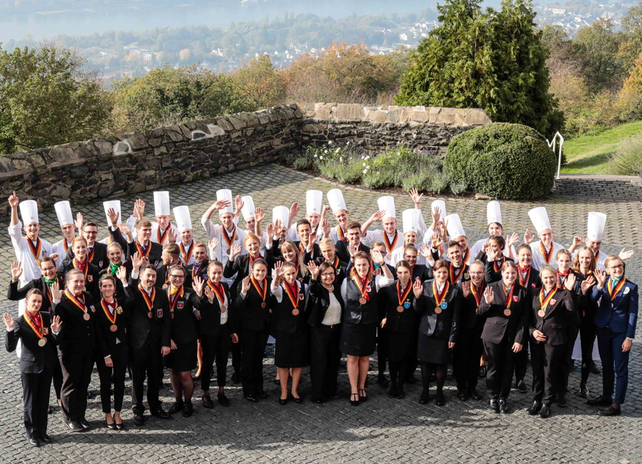 40. Deutsche Jugendmeisterschaften Gastronomie Hotellerie Gastgewerbe Ausbildungsberufe 51 Teilnehmer DEHOGA Thomas Fedra