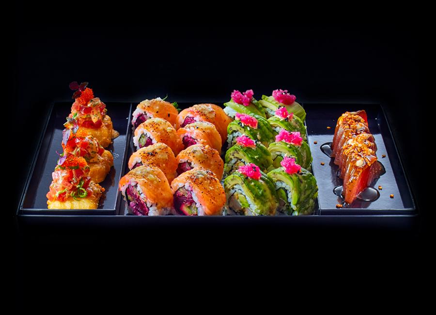 Die Sushi-Boxen von GO by Steffen Henssler beinhalten Köstlichkeiten wie Crispy Tuna Tatar, Hellboy Roll und Avocado Sashimi Ceviche