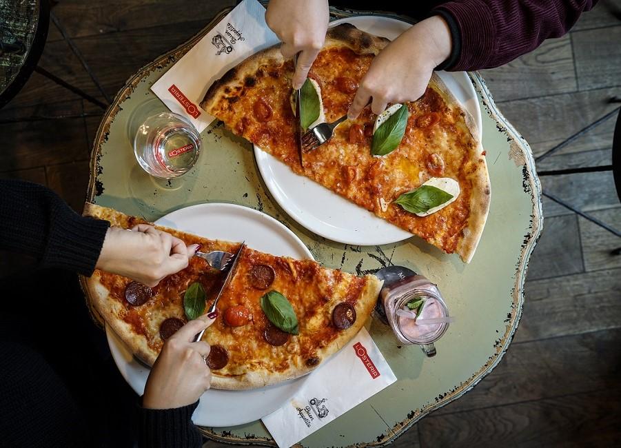 Pizza Tisch