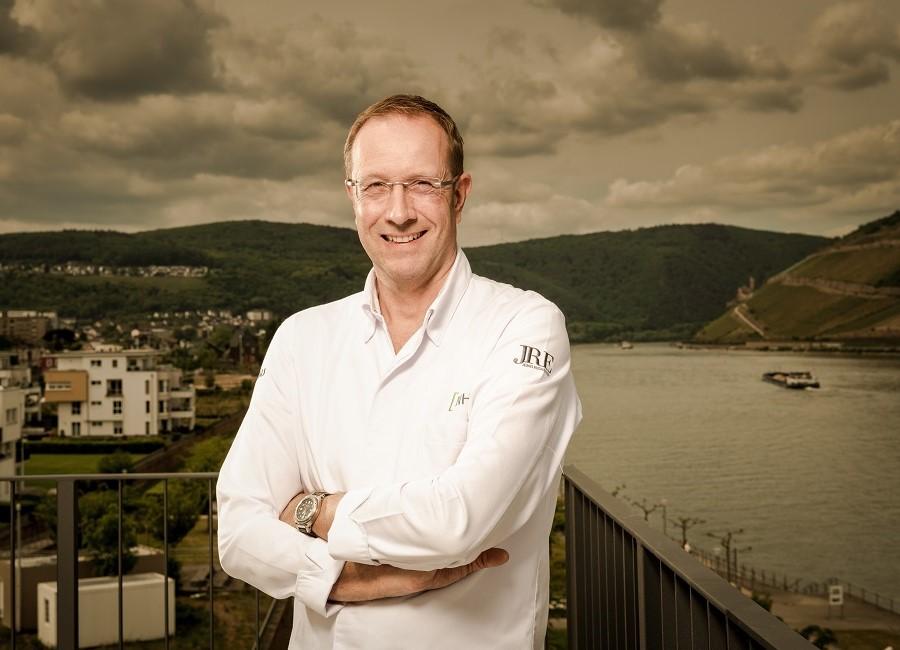 Nils Henkel Koch Papa Rhein Hotel